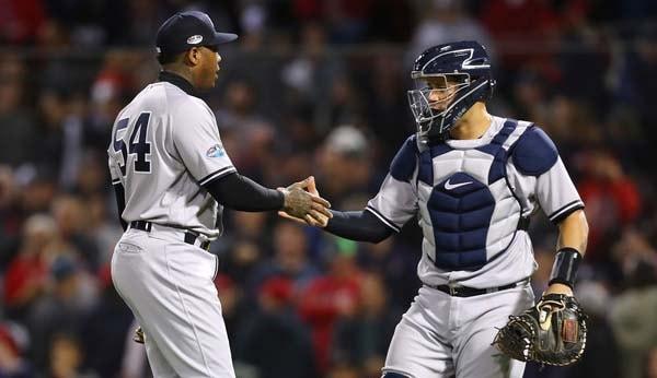 La recta más rápida del cerrador de los Yankees (tiró 10 fastballs) fue de 99 mph, además tiró una de 98 mph y otra de 97 mph. El resto, de 96 para abajo