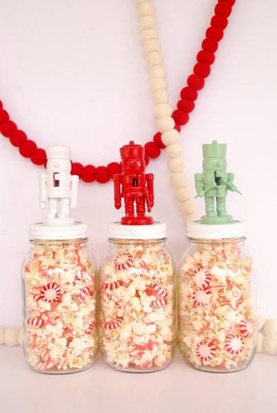 Nutcracker Jar Toppers. Foto: theproperblog