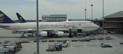umroh reguler landing madinah saudia