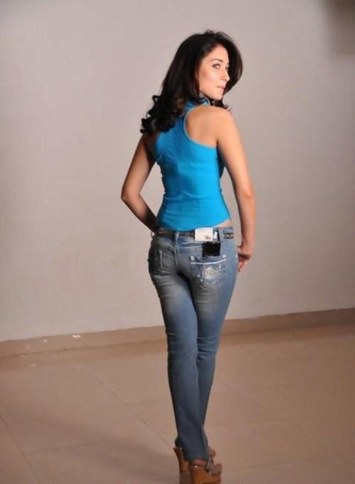 actress-divya-spandana-hot