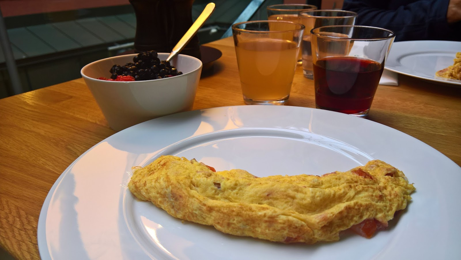 Hotelli Verso suomalainen aamiainen jyväskylä mallaspulla munakas