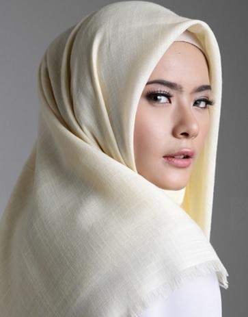 Kelebihan Jilbab Segi Empat pada Berhijab