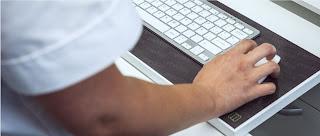 teclado encastrado y alfombrilla