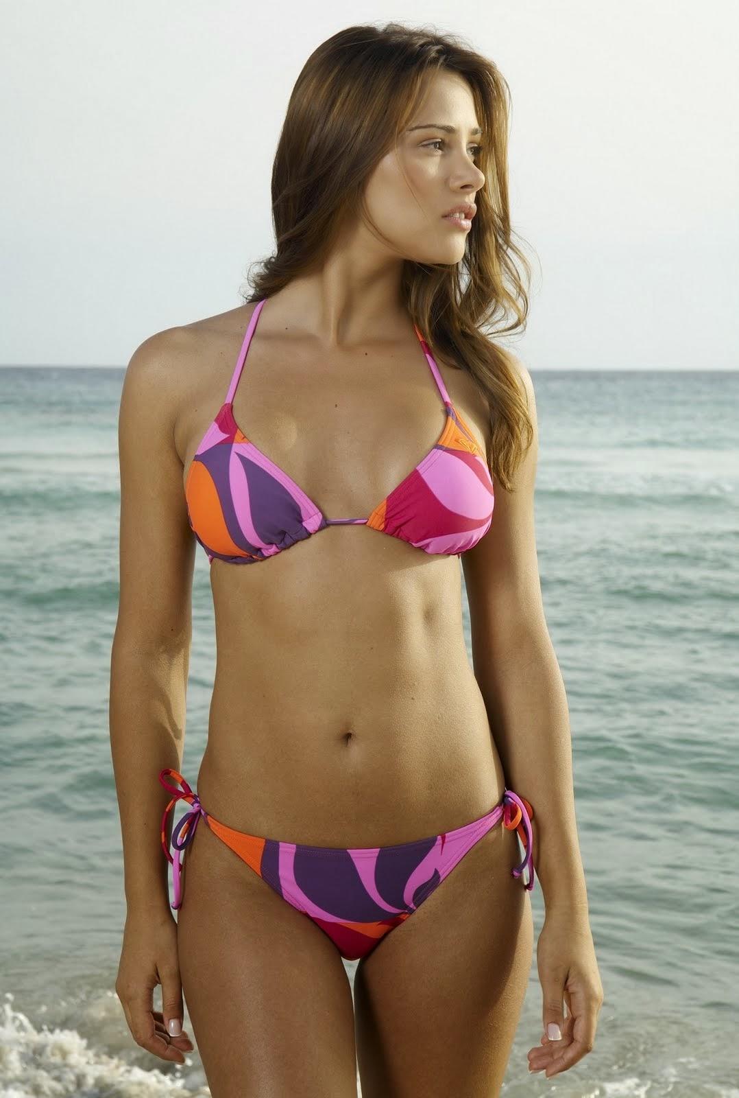 Alina vacariu bikini