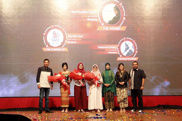 Ria Fasha, Blogger Aktif Penuh Prestasi