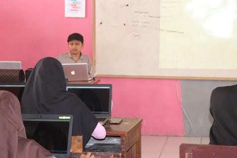 Pelatihan Web Development I di SMK WIRABUANA