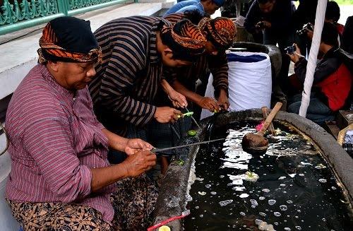 Hasil gambar untuk Kulon Progo Melestarikan Ritual Budaya Berusia Dua Abad
