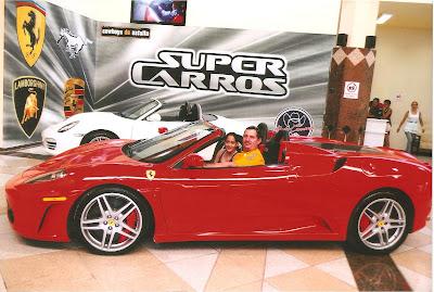 Ferrari da atração Super Carros do Beto Carrero World