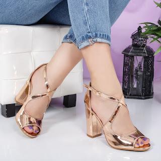 Sandale Spotilo aurii cu toc gros elegante de ocazii