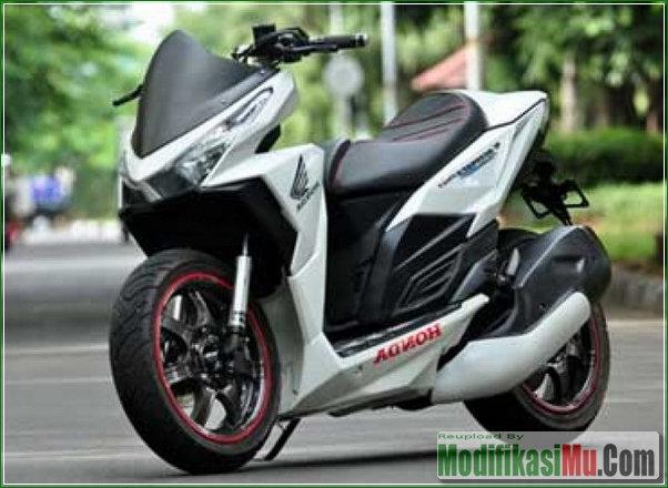 Hasil Modifikasi Honda Vario 150 eSP Gaya Sport Matic Ala Moge Moto Gp