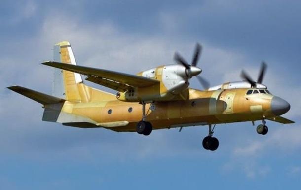 Порошенко представив літак АН-132D