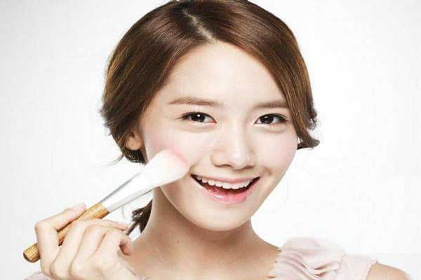 Tips Make-up Bersinar Alami Ala Artis Korea