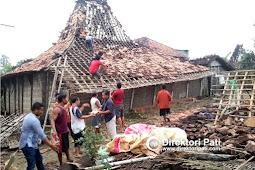 Detik-detik Angin Puting Beliung Terjang Puluhan Rumah di Pati
