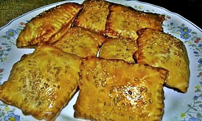 Empanadillas de hojaldre de bonito
