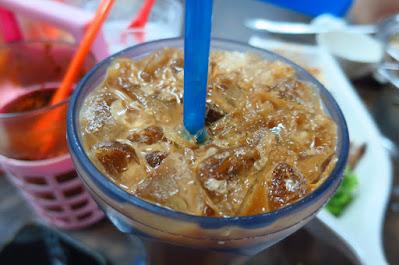 Dee Tongue Thai by Rung Mama, iced milk coffee