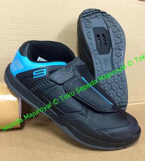 Sepatu Sepeda Shimano AM9