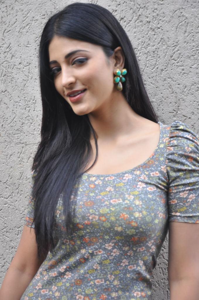 Indian Actress And Singer Shruti Hassan Hot Pics  South -2943