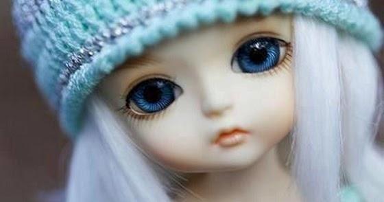 Cute Doll Girl Blue Eyes Alone Barbie