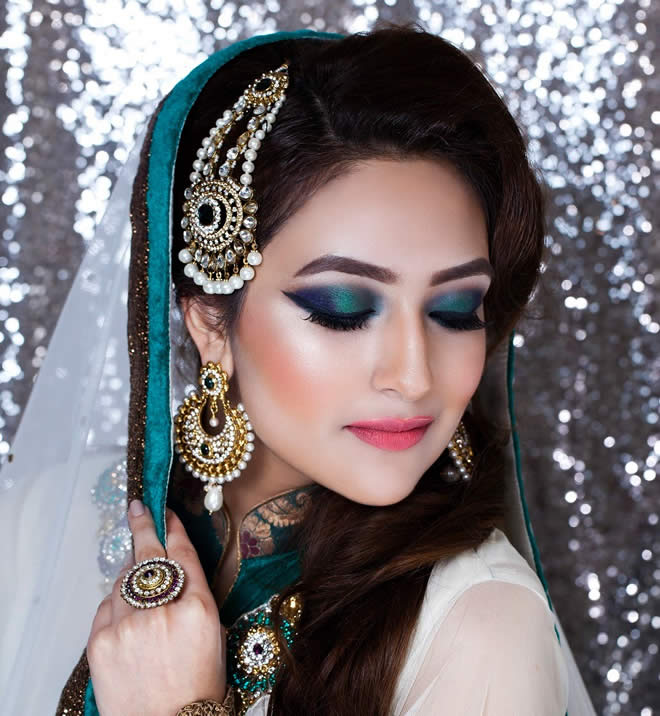 Pakistani Wedding Dresses, Bridal Wears Fashion Weeks, Pakistani Dresses, Pakistan Fashion Women's Fashion, Women's Trends Women Dresses Wedding Makeup To Look Nice And Sensually Delightful