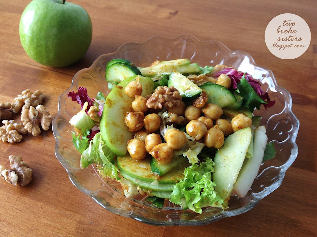 zdrowa sałatka z jabłkiem i cieciorką przepis twobrokesisters blog kulinarny