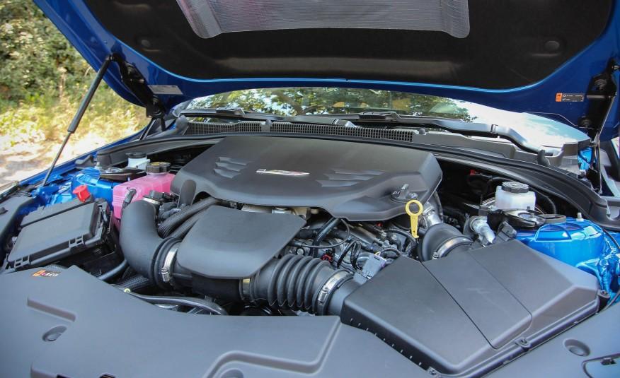 Mạnh mẽ, nhanh nhẹn, xử lý tốt...tuy nhiên xe lại rất ngốn xăng