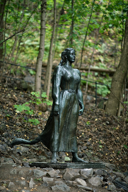 Dyre Vaa's 'Huldra,' Ekeberg's Park's wicked wood nymph by inspired Norwegian fairy-tale traditions and literature.