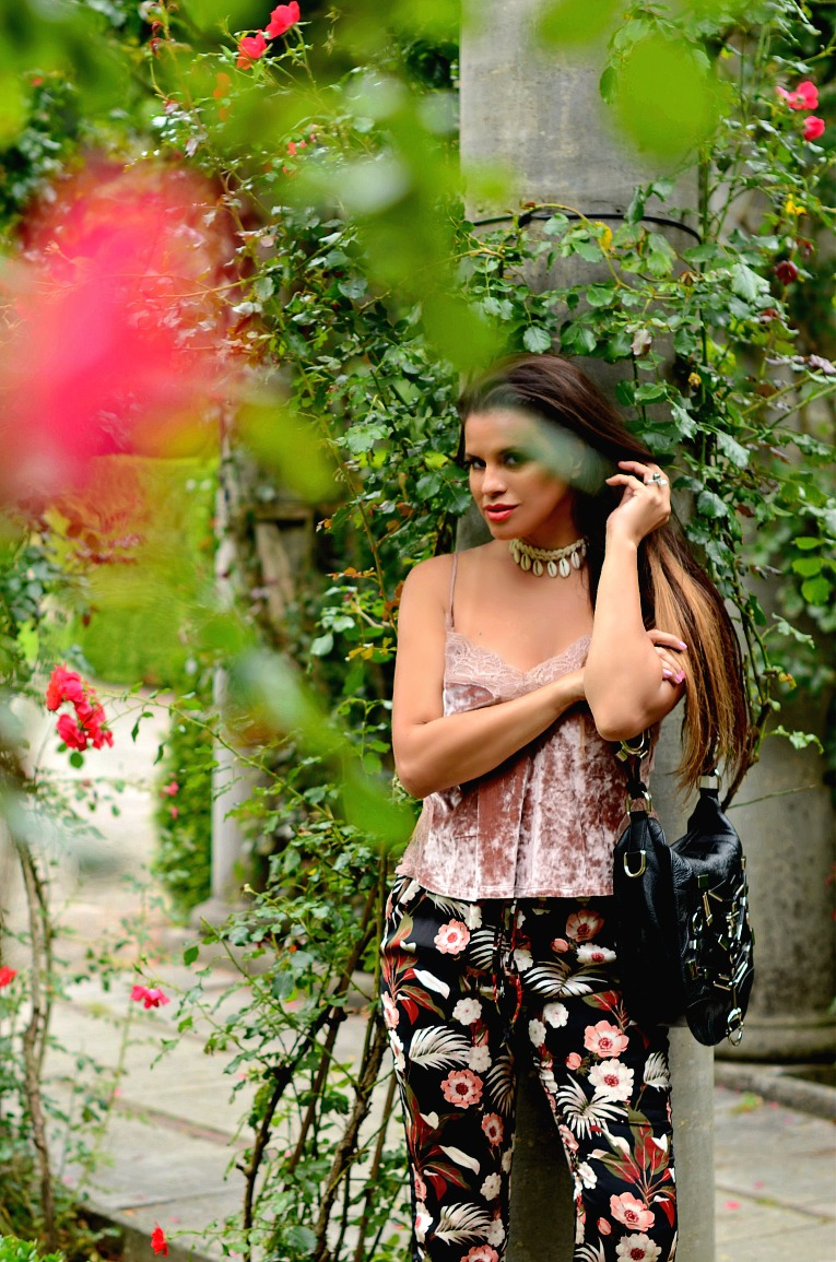 Alice and Olivia floral joggers, Bershka velvet top, Shell choker, Gucci Techno horsebit bag, Tamara Chloé, TC Style Clues, Luxury For Princess