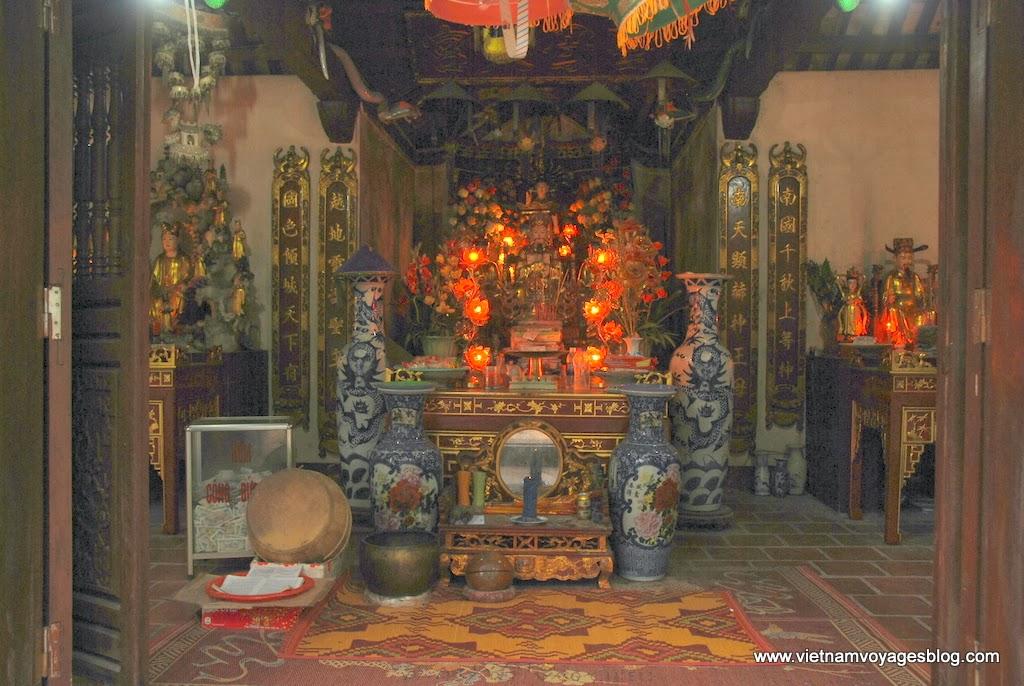 Thăm đền An Mã ở Hồ Ba Bể