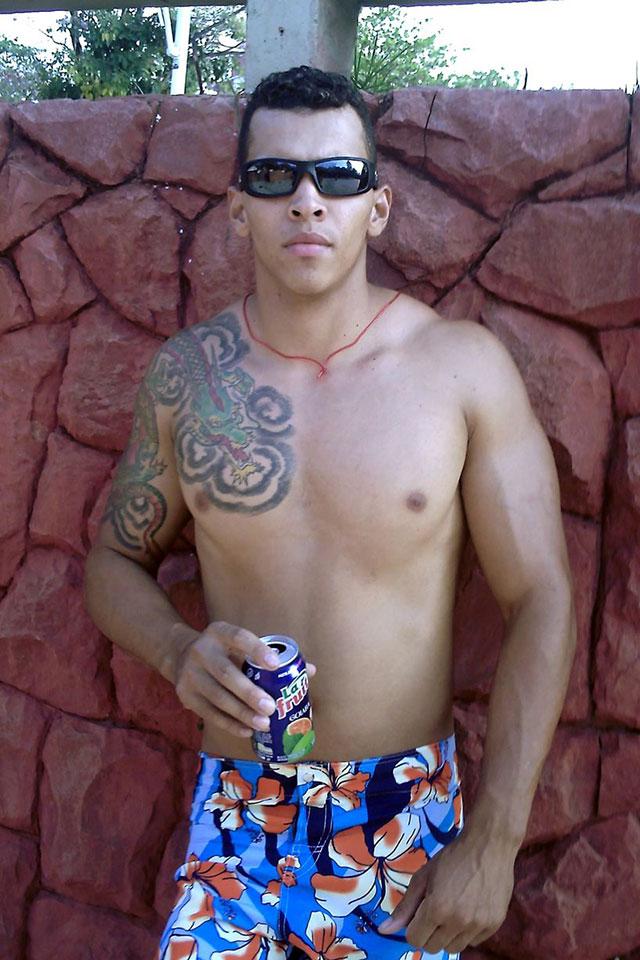 Romário dos Santos Alves sonhava em ter um corpo tão grande quanto o do Hulk. Foto: Barcroft