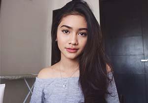 Sarah Tuffahati Cantik