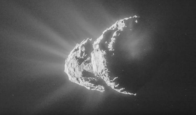 Mysterious outburst of activity from Spaceship 67P  Spaceship%2Bcomet%2B67P