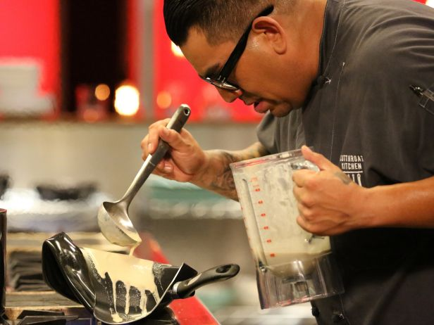 6 self sabotage take three s4e12 chilid to the bone weve seen how chefs can be their own worst enemy this was demonstrated in an episode where in - Cutthroat Kitchen