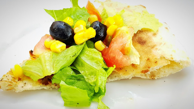 focaccia salalta olio insalata pomodori mais olive nere