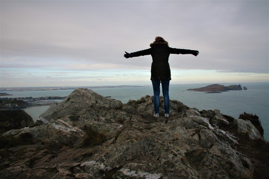 Howth: climbing cliffs and devouring sea food