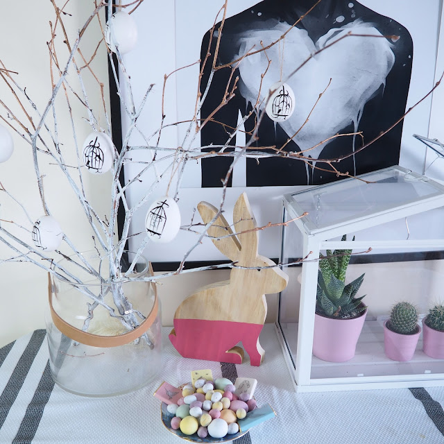 easter eggs twigs
