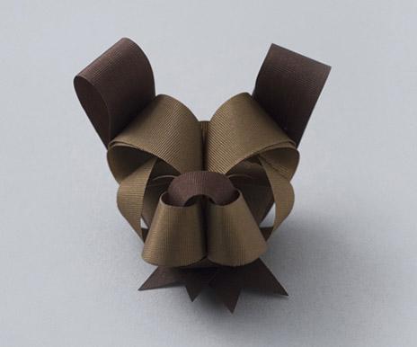 Bulldog shaped bow