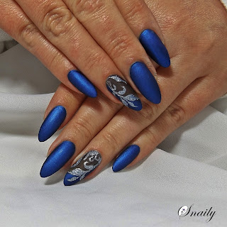 http://snaily-nails.blogspot.com/2017/10/granatowa-satynka.html