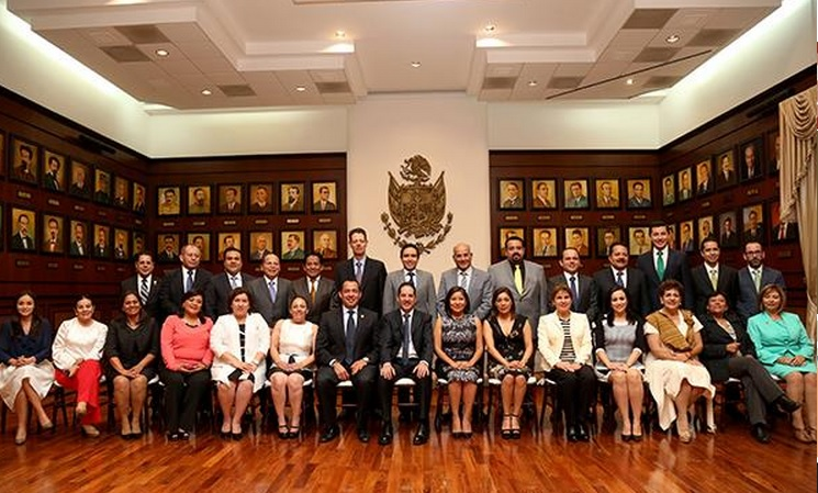 Diputados de Querétaro se aumentan sueldo de 47 mil a 85 mil pesos