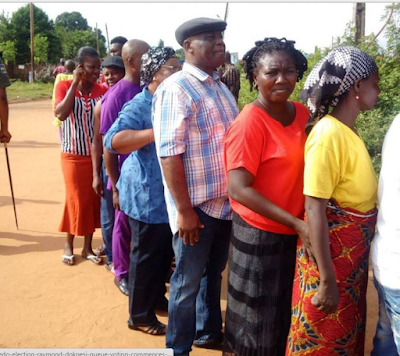 #EdoDecide-Raymond Dokpesi spotted in a queue as voting commence - picture-bnaija