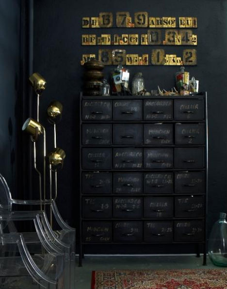 Setting for Four: Black with Vintage Style