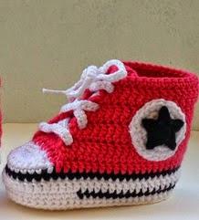 http://www.artedetei.com/2014/04/converse-crochet-para-bebe-tutorial.html