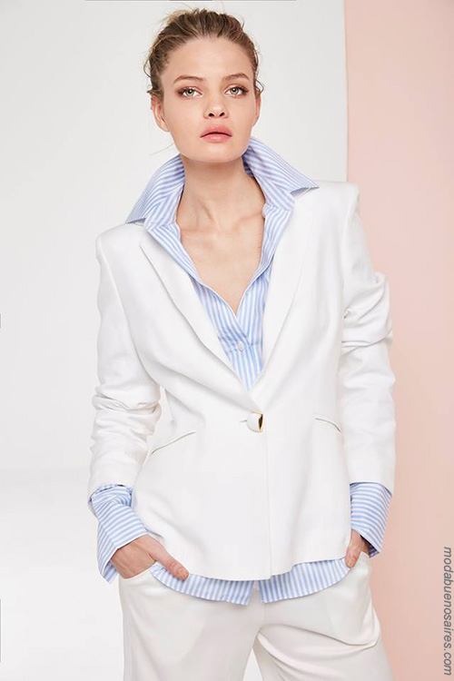 Moda primavera verano 2018. Trajes de mujer moda verano 2018 ropa de moda.