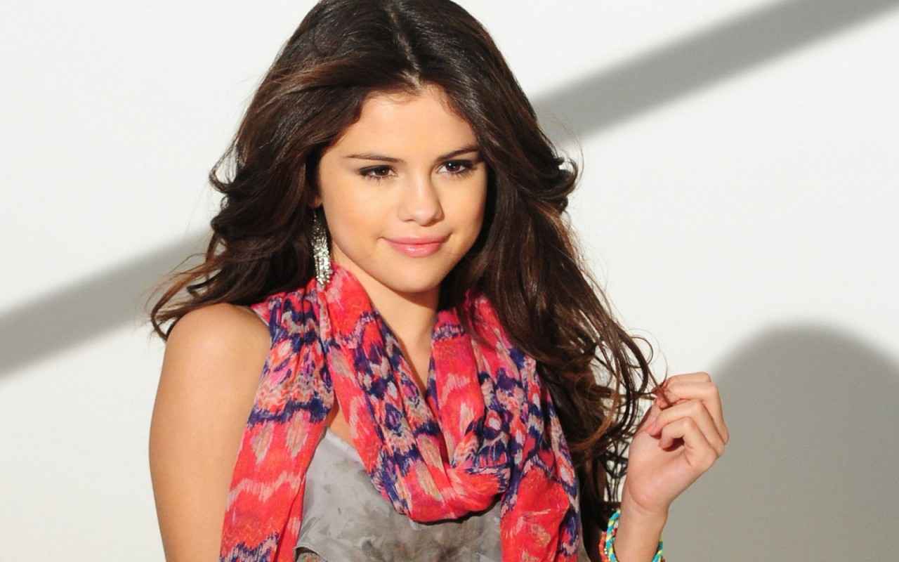Hot Bio Celebrity Pictures: Selena Gomez Latest Hd ...