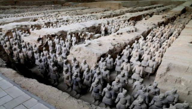 Κινέζοι αρχαιολόγοι: «Τον πήλινο Στρατό του Πρώτου Αυτοκράτορα της Κίνας τον έφτιαξαν αρχαίοι Έλληνες» - Η εκστρατεία του Διονύσου έγινε στ' αλήθεια