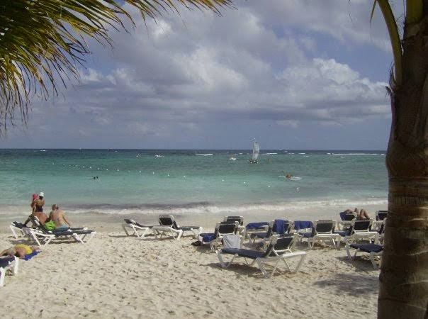 The Grand Palladium Resort hotel beach in Mexico
