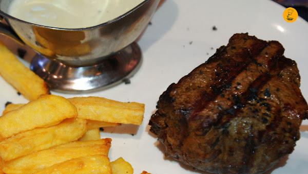 Solomillo con salsa roquefort (18.50€)