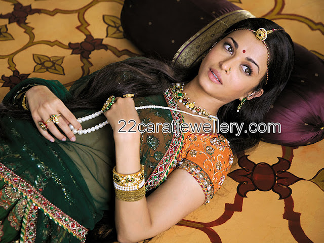 Aishwarya Rai in Navaratn Stone Necklace - Jewellery Designs