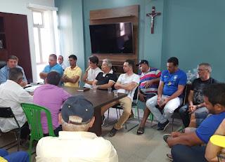 Prefeito de Sairé se reúne com motorista responsáveis pelo transporte municipal