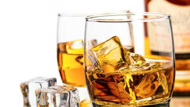 Alkohol salah satu contoh senyawa karbon