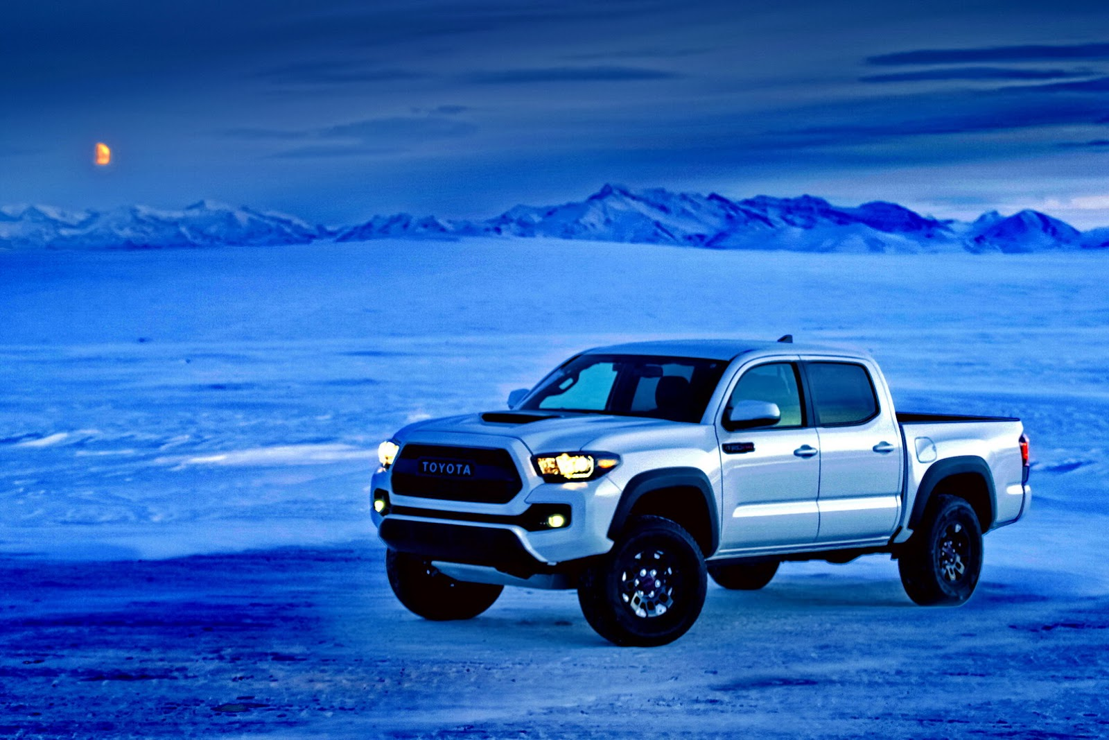 2016 Toyota Tacoma Trd Off Road >> 2017 Toyota Tacoma TRD Pro Is Like A Japanese Raptor ...